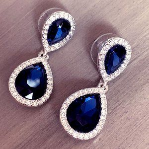 Elegant 💙NAVY BLUE 💙 CRYSTAL drop earrings, NEW